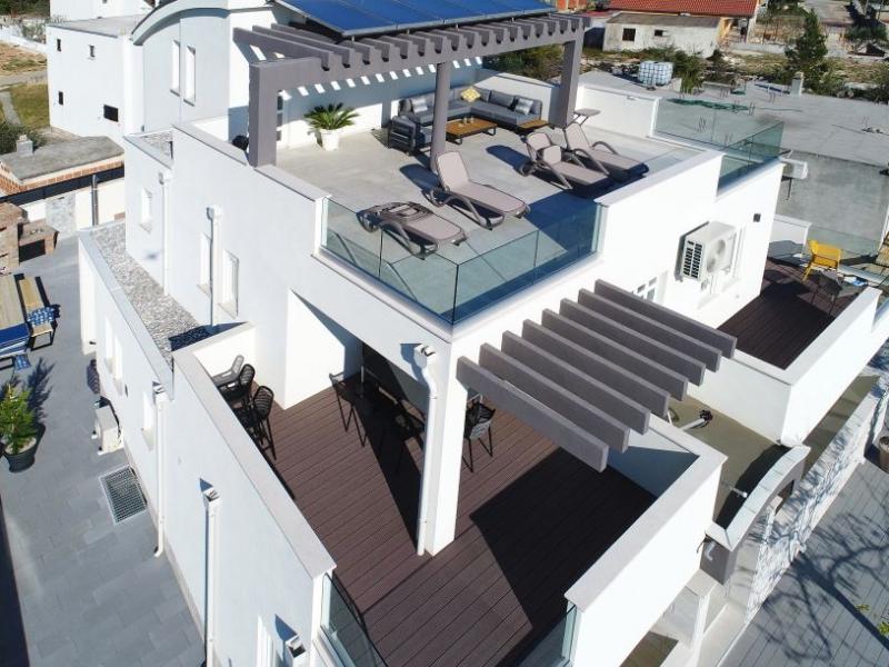 Villa Vesela with pool